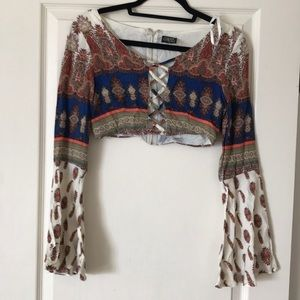 Cropped top criss cross front
